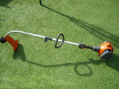 HUSQVARNA 122C Petrol Strimmer separates for easy transport