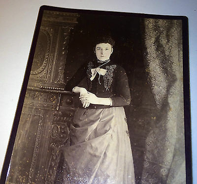 Antique Victorian Woman W/ Beautiful Fancy Fashion, Bow & Jewelry Cabinet Photo!