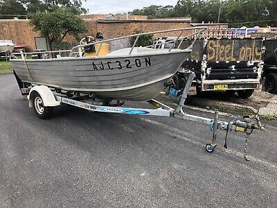 4.5M Stacer (CENTER CONSOLE) Tinny with Trailer and 40HP Mercury. selling cheap,