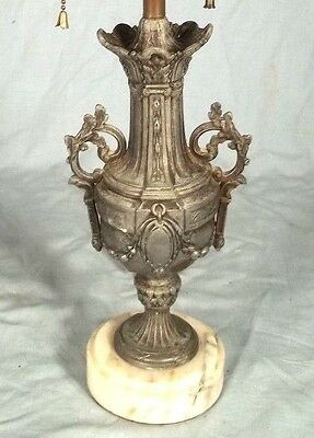 ANTIQUE EARLY 20th CENTURY ART NOUVEAU DOUBLE HANDLE URN LAMP ON MARBLE BASE