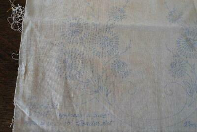 VINTAGE WONDERART LINEN Stamped Embroidery Table Runner Rhapsody in Blue