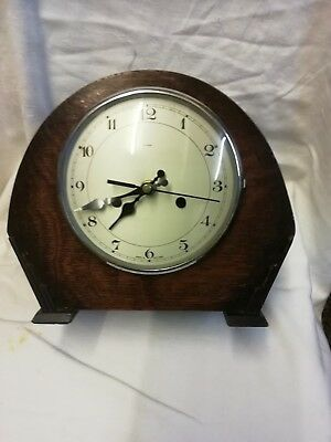 (184)   Wooden Mantel Piece Clock Made By Enfield Clocks Uk Quatrz Battery Movem