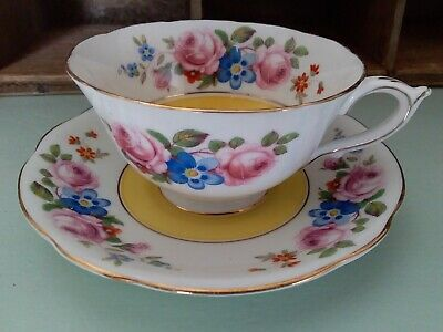 Antique Royal Paragon Wide Bowl Pretty Roses Teacup and Saucer