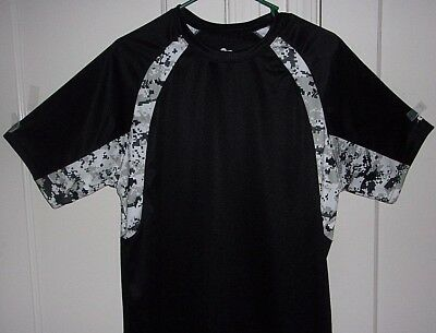 b5ebb7c9 Badger Sport Mens Medium Black with Digital Camouflage Athletic Shirt