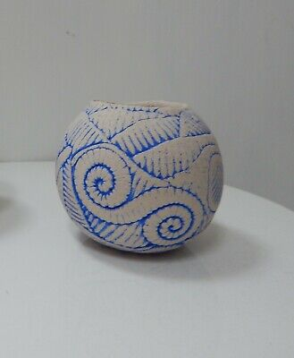 Hand made ceramic pot  by Michelle Yeatman