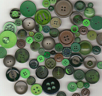 70+ GREEN COLOR PLASTIC BUTTONS 1940's & up MIX LOT oF SIZES & DESIGNS