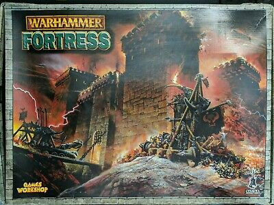 Games Workshop Citadel- Warhammer Fortress Castle 2002
