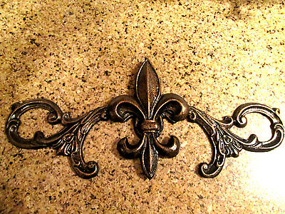 15 inches Metal Fleur de Lis Wall Topper Plaque Old World Tuscan Kitchen Cabinet