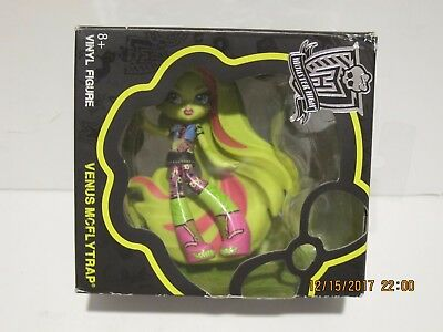 Monster High Venus McFlytrap-Vinyl Venus Figure 8 yrs+ FREE SHIP, NEW SEALED BOX