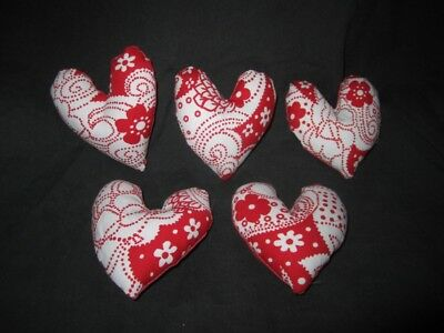 Primitive  Valentine Heart bowl fillers-  red and white - set of 5