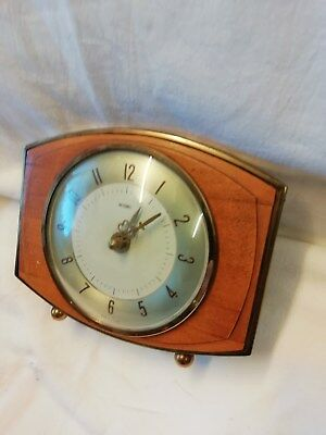 (296)    Small Wooden Mantle Peice Clock With Quartz Battery Movement By Metamec