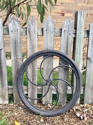 Wheel cast iron 61.5cm diameter, more than 20 kg Industrial vintage. Greenwich