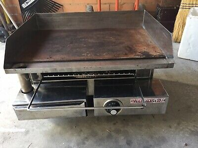 Woodson electric bench top grill and toaster