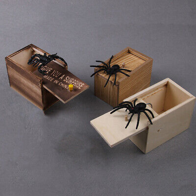 Spoof Funny Joke Wooden Prank Spider Scare Box Lifelike April Fools' Day Toy