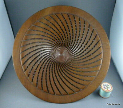Superb Hand Crafted Geometrically Turned Wood Bowl By Lindsay Dunn - Australia