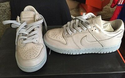 quality design c7560 4fb41 Nike iD Sample Shoe Sz 6 Nike Dunk Low Premium New!