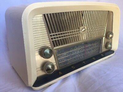 Vintage valve radio Astor BPJ 1946. Working condition.