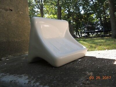 Ceramic soap dish wall mount - white / NEW!
