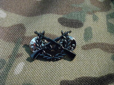 Armed Citizen / Prepper generic crossed M77 Ruger Scout Rifle metal hat / lapel