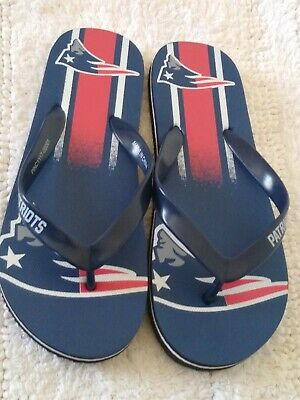 8649895a99f7c0 NFL New England Patriots Gradient Flip Flops Beach Sandals Size Small New  No Tag