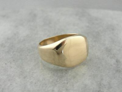 Polished Vintage Men's Signet Ring in Yellow Gold