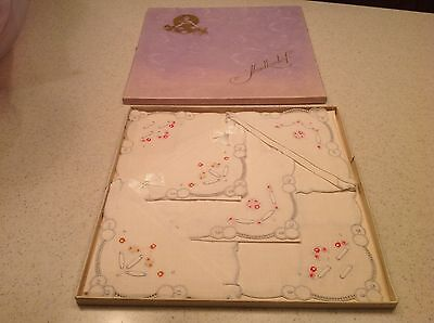 Vintage Embroidered NIB Old Stock  Ladies Handkerchief Hankies Hanky Floral