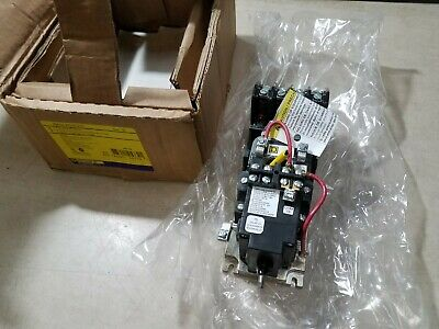 SQUARE D 8903LXO40V02 4 POLE Lighting Contactor Mechanicly held 120VOLT COIL 30A