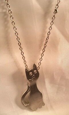 """Vintage Signed Pewter Hand Crafted pewter pendant necklace 16"""" Chain Cat/Kitten"""