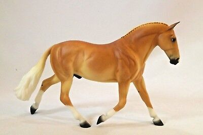 Breyer Griffin Traditional Horse Collectors Club Web Special Cleveland Bay 71222