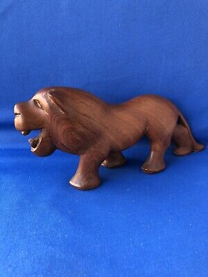 Wooden Wood Carved Stylised Stretched Lion Wild Roaring Natural Grain