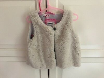 Mini Boden AW Girls cream Faux Fur Gilet Age 2-3 Years insect lining VGC