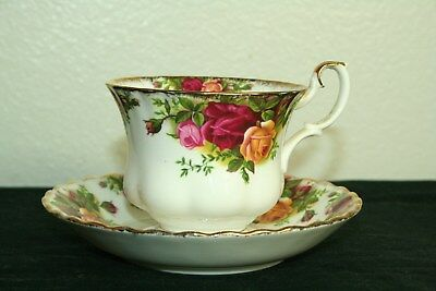 Vintage Royal Albert Tea Cup and Saucer Old Country Roses Bone China England