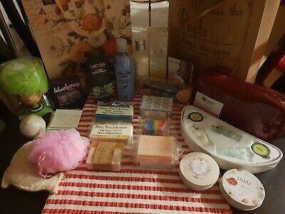 Bulk Lot Of Pamper Products Inclucing Lacura and Tilleys