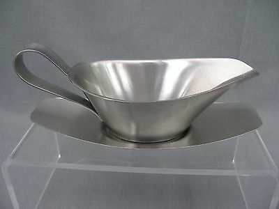 Robert Welch Old Hall 1/4 pt Sauce Boat & stand  stylish quality stainless steel