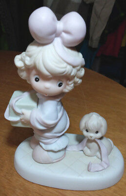 Precious Moments figurine TIED UP FOR THE HOLIDAYS 1993 GIRL WITH DOG #AA