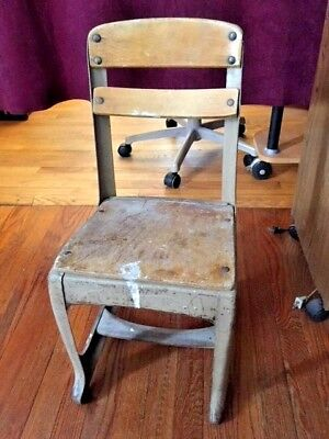Mid Century 1900-1950's Antique Child's Classroom School Chair (Wood & Metal)