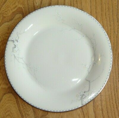 New Romance Royal Doulton OXFORD GREEN Salad or Dessert Plate Accent TC1191