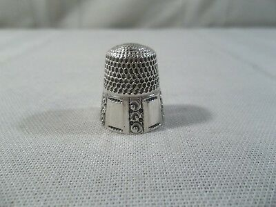 Antique Stern Bros. #7 Sterling Silver Thimble with Fluted Panels