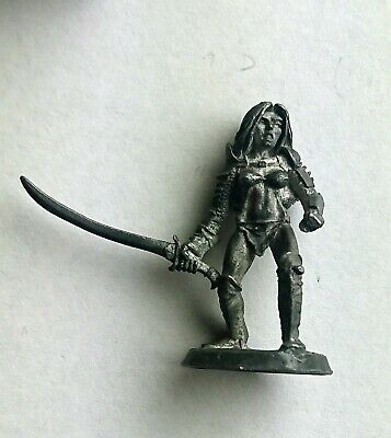 Ral Partha Preslotta Dungeons & Dragons Characters 01-712 Pack Mistress OOP