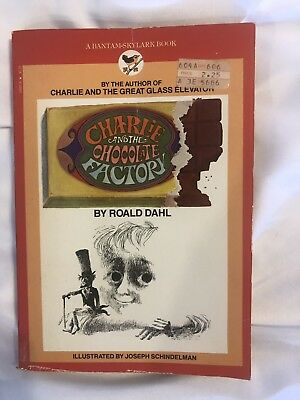 Vintage CHARLIE AND THE CHOCOLATE FACTORY Roald Dahl 1977 Illustrated Paperback