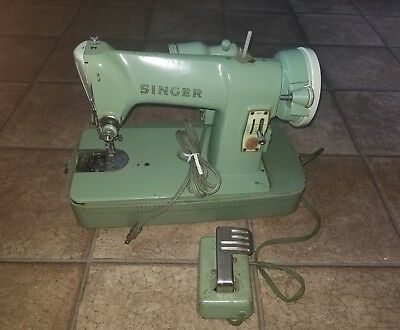 Vintage Singer Sewing Machine RFJ8-8 Nice Green No case