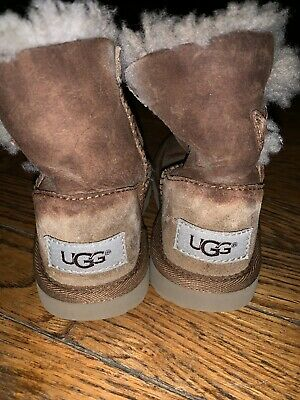 d7bc4efbed0 UGG AUSTRALIA MINI Bailey Button Gray Shearling Toddler Boot Size 8 ...