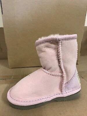 Kids Ugg Boots Classic Short, Sheepskin Wool, Pink Colour on Special