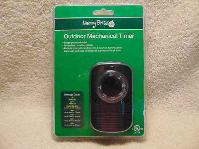 Merry Brite Outdoor Mechanical Timer ~ Single Grounded Outlet All Weather