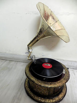 Antique Round Gramophone Phonograph Crafted Machine With Brass Crafted Horn