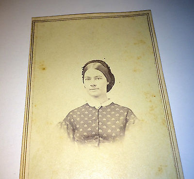 Antique Civil War Era Fashion Woman, Lovely Cameo & Hairstyle! Old CDV Photo!