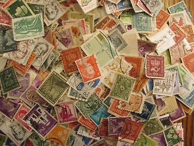 Henry's Stamps-100 Different Worldwide-Small Format-Used/off Paper-Free Shipping