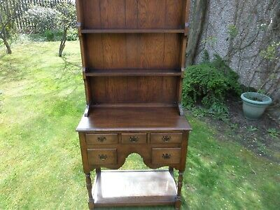 A Delightful Vintage Oak Cottage  Dresser