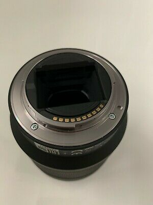 Mint Condition Sony FE 28-70mm f/3.5-5.6 OSS Lens with B&W 55 UV IR Filter