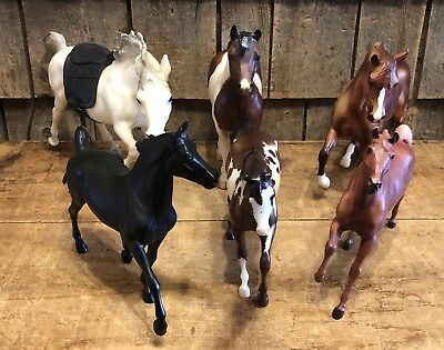 Lot Of 6 Vintage Collectible BREYER Horses Different Sizes
